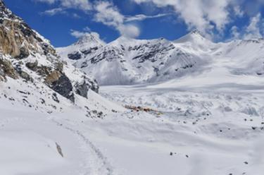 冰雪世界的前進營地