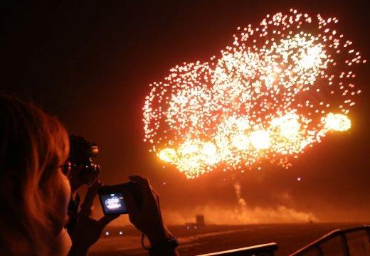 俄羅斯燃放煙花 慶祝國際軍事論壇開幕