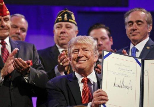 特朗普出席退伍軍人協會大會 呼吁美國團結