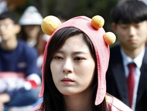 韓國首爾舉辦發呆比賽 參賽者放空自我