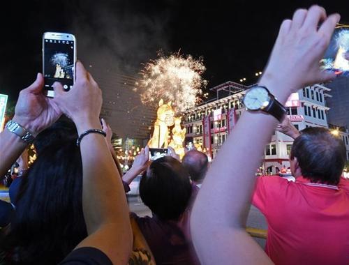 新加坡舉行慶祝農歷新年亮燈儀式