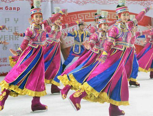 """中國冰秀""""歡樂頌""""在蒙古國首都烏蘭巴托舉行"""