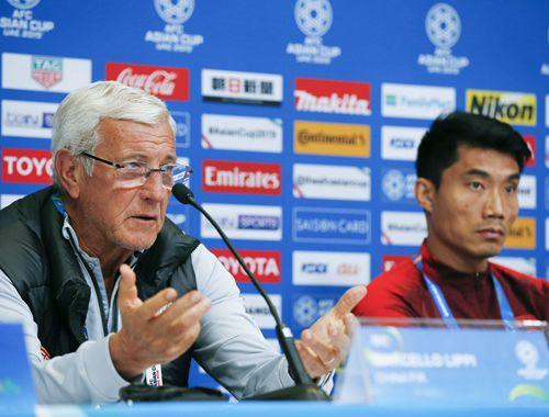 足球——亞洲杯:中國隊舉行賽前新聞發布會