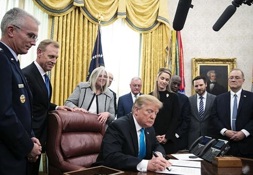 """特朗普簽署""""第4號航天政策指令"""" 旨在創建美軍太空部隊"""