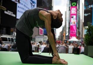 紐約:瑜伽迎夏至