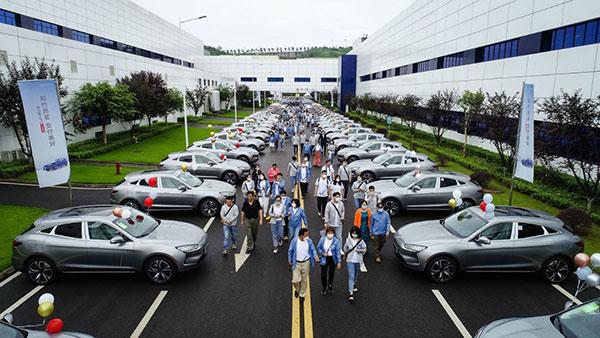 【sky平台】如约而至 赛力斯华为智选SF5首批车主交付