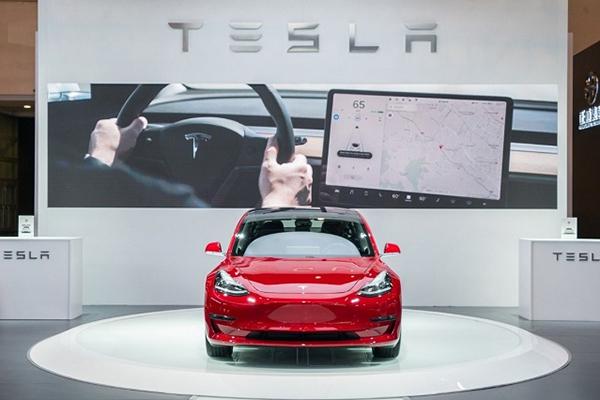 新華説車:特斯拉Model 3