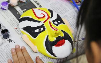 杭州:感受传统文化魅力 京剧教学走进校园