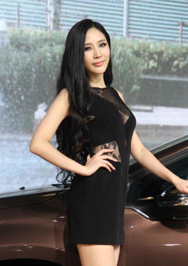 2013廣州車展:迷離眼神皇後