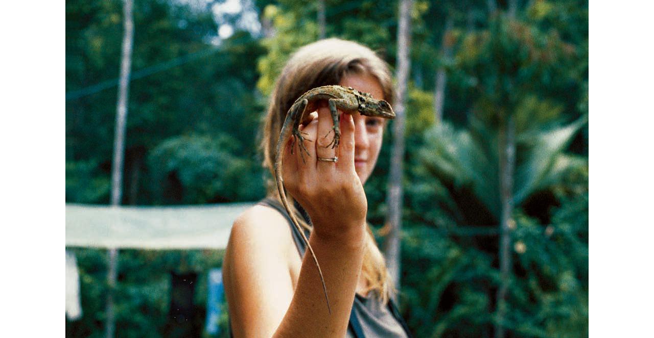 荷蘭姑娘瑪霞是位業余或者説自由的野生動物研究人員,對兩棲和爬行動物情有獨鐘。