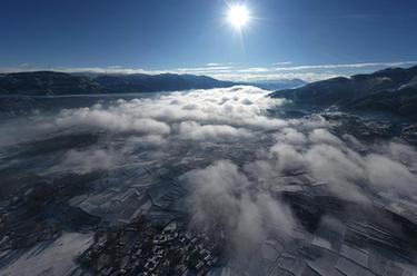 飛瞰大涼山雪景