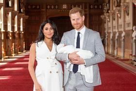 英國薩塞克斯公爵夫婦攜新生兒亮相