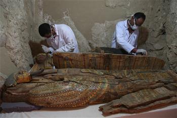 埃及發現貴族大墓 出土多具木乃伊