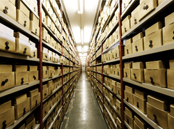 去倉庫淘書,面對300萬本書我不知所措