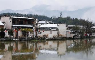 安徽黃山:雪落宏村