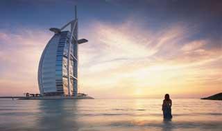 迪拜,沙漠里的海市蜃楼图片