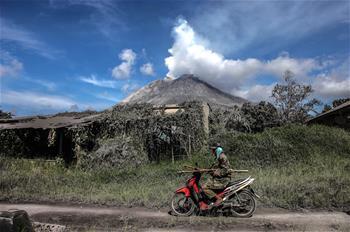 印尼:火山噴發