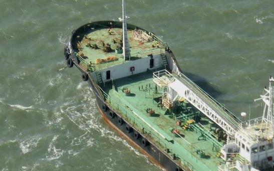 一艘阿聯酋小型油船在索馬裏海域遭劫持