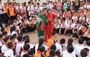 河北滄州:戲曲文化進校園