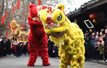 四川閬中古城:龍騰獅躍迎新春