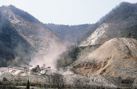 六年內秦嶺北麓礦山減七成