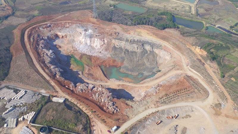 廢棄礦坑變魅力賽道