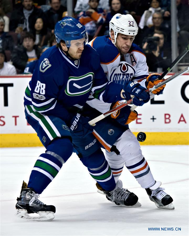 (SP)CANADA-VANCOUVER-ICE HOCKEY-NHL-OILERS VS CANUCKS