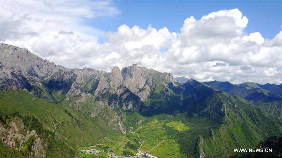 Scenery of zhagana mountains featuring tibetan style villages china gansu zhagana landscape mountain scenery cn voltagebd Images