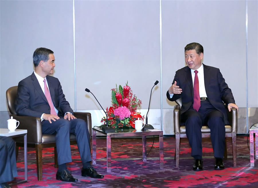 CHINA-HONG KONG-XI JINPING-LEUNG CHUN-YING-MEETING (CN)