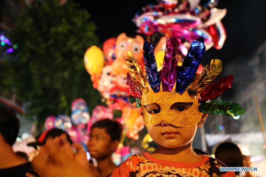 thadingyut festivals Category: myanmar festivals share full moon day of thadingyut (countrywide) dancing elephant festival (kyaukse) kyaikhtiyo pagoda festival (mon state.