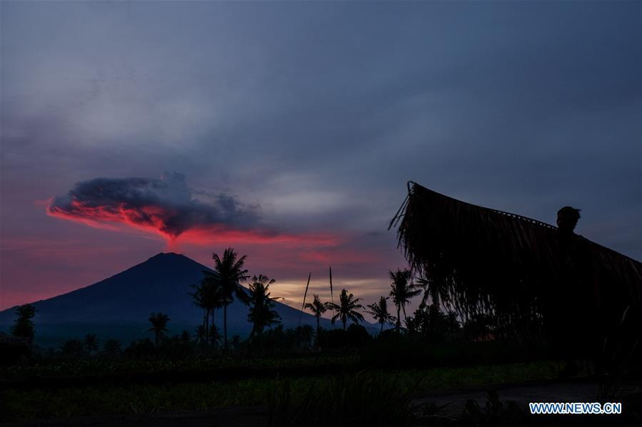 agung volcano latest news