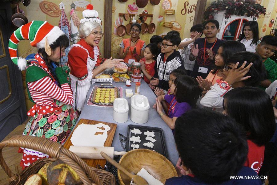 SINGAPORE-CHRISTMAS-CEREMONY