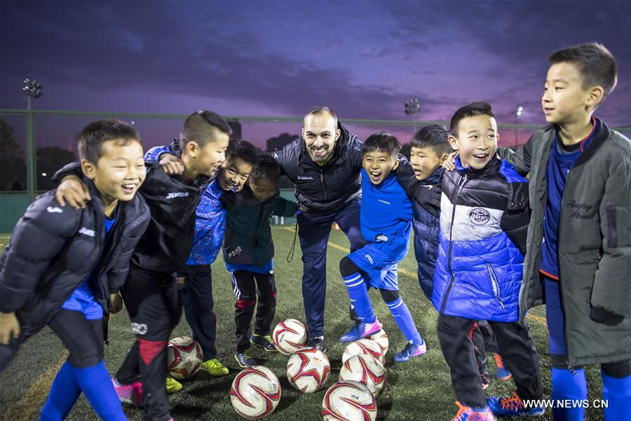 CHINA-WUHAN-FOREIGN SOCCER COACH (CN)