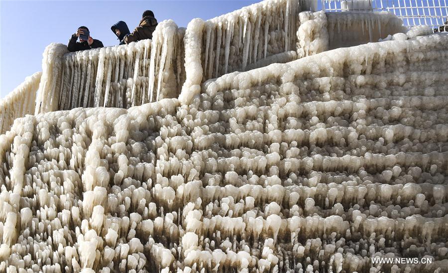CHINA-YELLOW RIVER-HUKOU WATERFALL-WINTER SCENERY(CN)