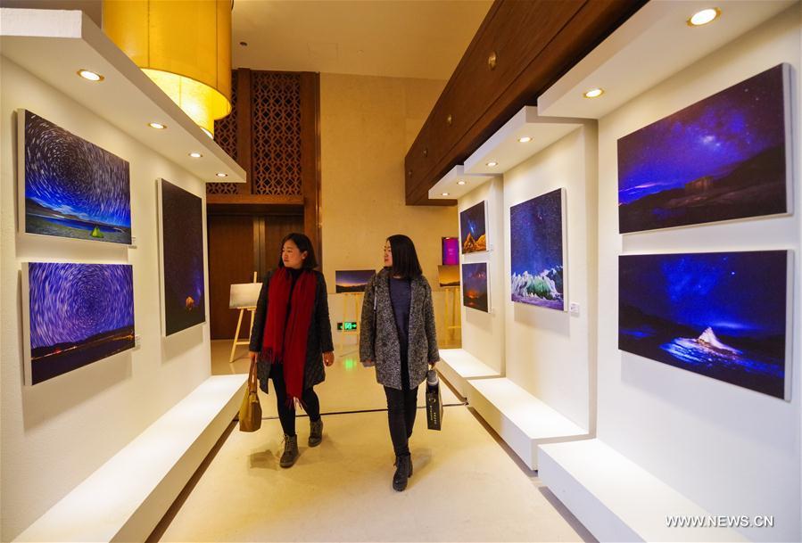 CHINA-LHASA-STARRY HIMALAYAS-PHOTO EXHIBITION (CN)