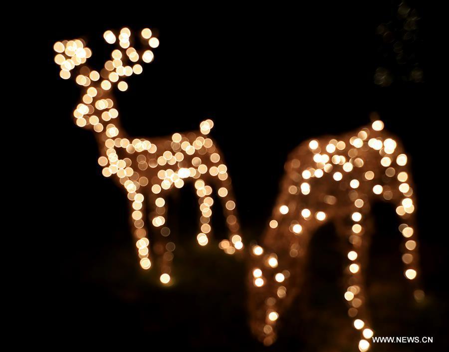 U.S.-LOS ANGELES-CHRISTMAS EVE-DECORATIONS