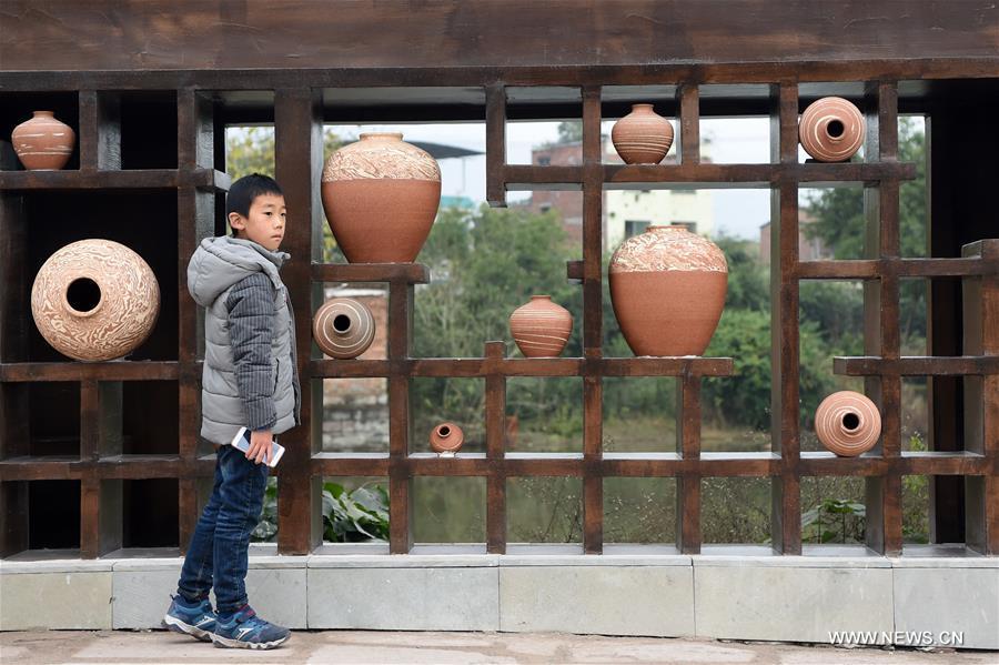 CHINA-CHONGQING-POTTERY MAKING-TOURIST TOWN (CN)