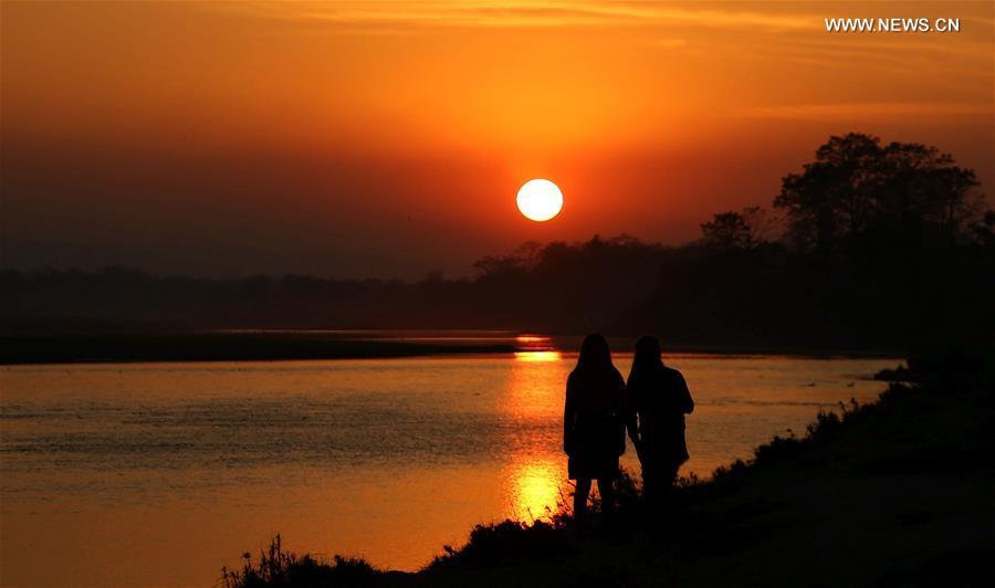NEPAL-CHITWAN-SUNSET