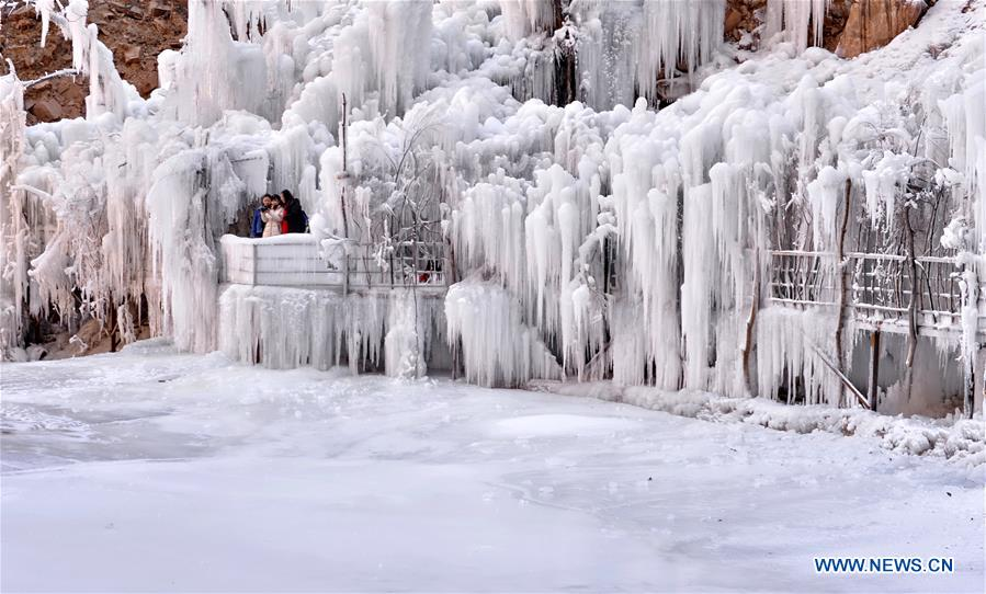 CHINA-HEBEI-ICEFALL-BEGINNING OF SPRING (CN)
