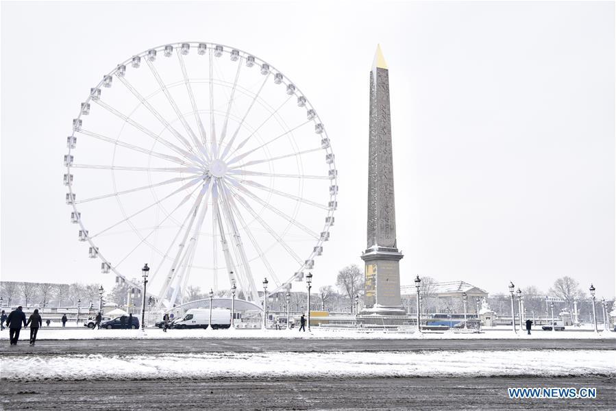 FRANCE-PARIS-SNOW