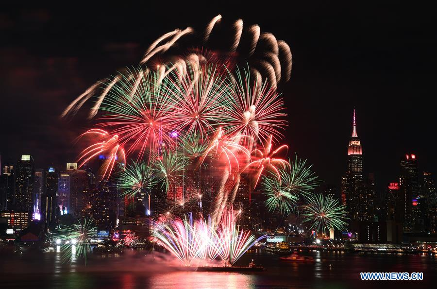 fireworks light up new york sky to mark chinese new year xinhua english news cn www xinhuanet com