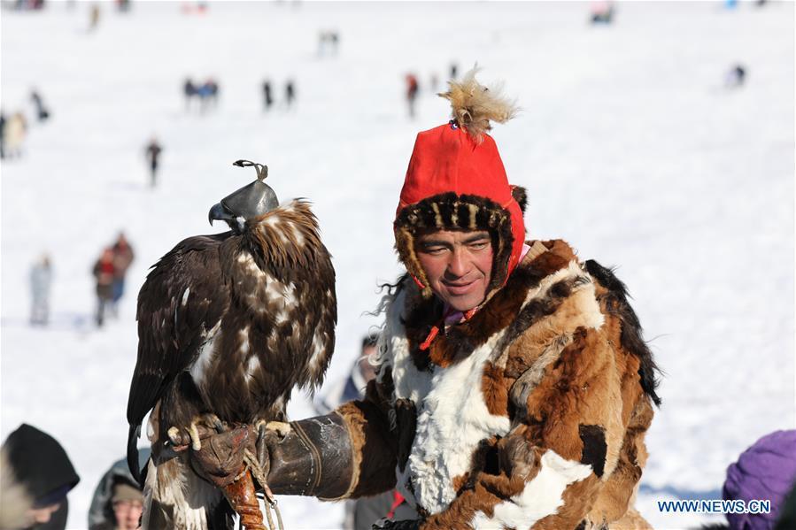 MONGOLIA-ULAN BATOR-SPRING GOLDEN EAGLE FESTIVAL