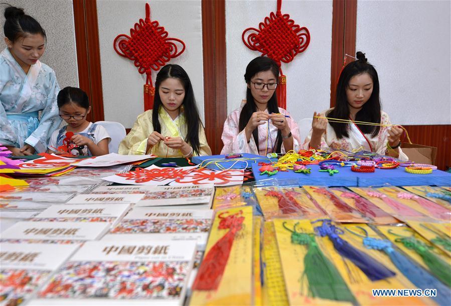 Handicrafts Exhibition Held During Lancang Mekong Cooperation Week