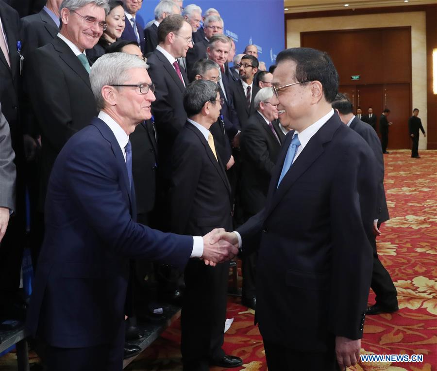 Chinese premier vows to deepen reform, opening up