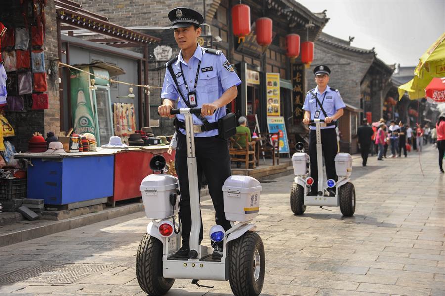 #中国 - 山西 - 平遥 - 警察巡逻 - 旅游(中国)