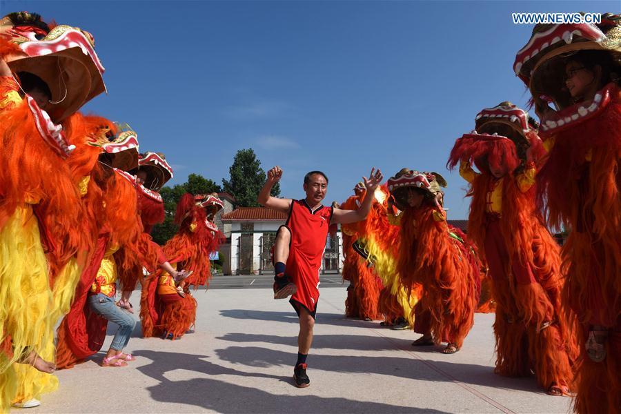 中国 - 江西 - 学校 - 狮子舞蹈(中国)