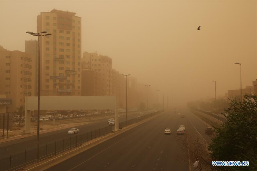 Kuwait City engulfed by heavy sandstorm - Xinhua   English