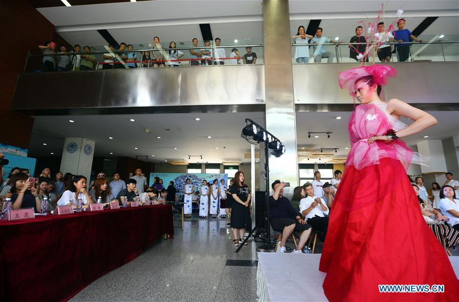 Fashion Contest Staged As A Job Hunting Platform In China S Tianjin Xinhua English News Cn