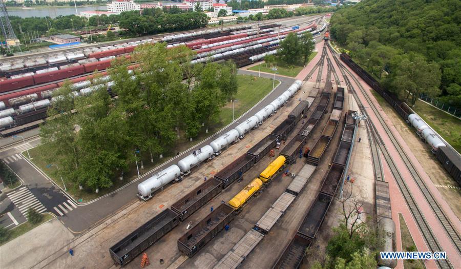 CHINA-JILIN-RAILWAY-MAINTENANCE-WORKER-HEAT (CN)