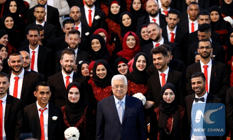 Palestinian president sponsors mass wedding for 360 bribes, grooms in Gaza